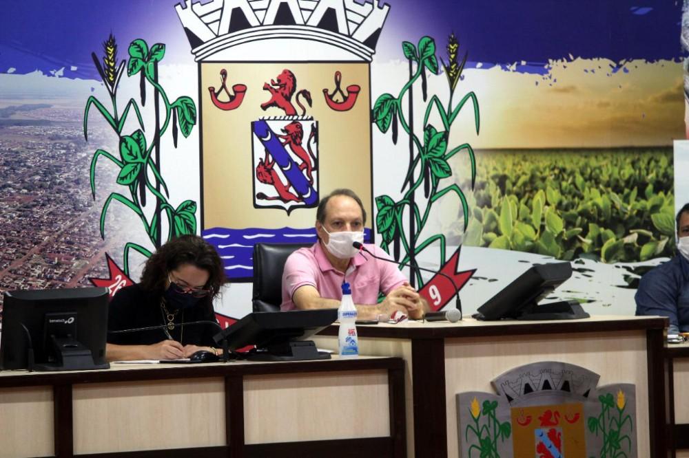 Emocionado, Foroni lança seu filho pré-candidato a prefeito de Rio Brilhante