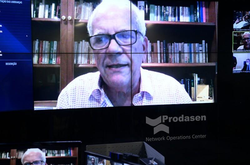 O senador Oriovisto Guimarães (Podemos-PR) é o autor do projeto, que segue para votação no Plenário do Senado