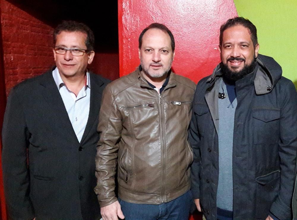 Pastor Vanderlei (Esquerda), Ex-prefeito Foroni (Centro) e Cantor Fernandinho (Direita)