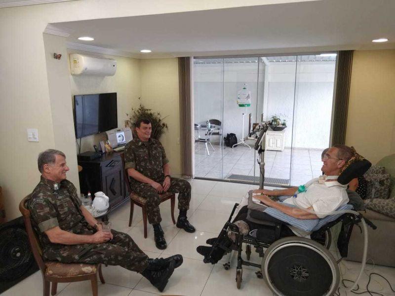 Saídas de ministro da Defesa e comandantes das Forças Armadas acendeu alerta no Congresso - (Foto: Reprodução/ Twitter)
