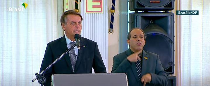 Bolsonaro discursa em solenidade de promoção de oficiais-generais, em Brasília - (Foto: Reprodução/YouTube/TV Brasil)
