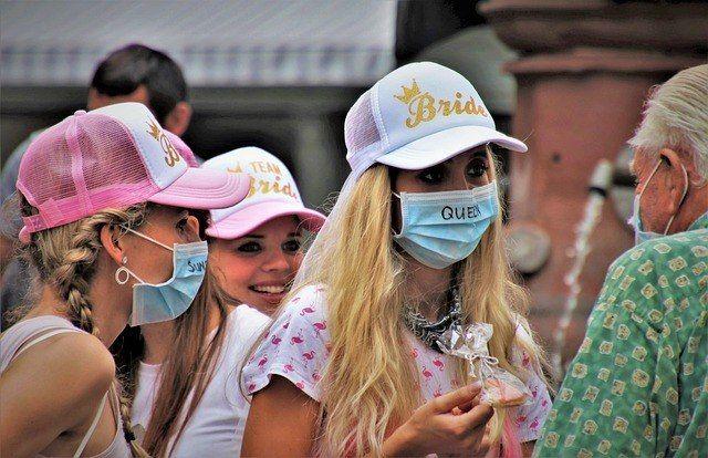 Jovens não confiam na vacina, mas aceitariam ser imunizados - (Foto: Pixabay)