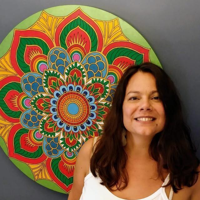 Lia Gonsales é voluntária no projeto 'Apoio Emocional' do Quero na Escola e Fundação SM - (Foto: Arquivo Pessoal)
