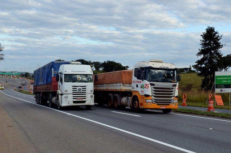 Transporte rodoviário corresponde a 50% do transporte de cargas no Brasil - (Foto: Miguel Ângelo/CNI)