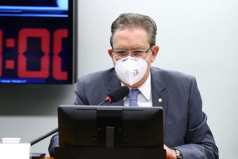 Luciano Ducci vai incorporar ao parecer algumas sugestões apresentadas hoje - (Foto: Cleia Viana/Câmara dos Deputados)