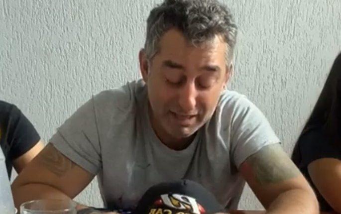 Juliano Ferro chorou bastante durante transmissão ao vivo (Foto: Reprodução)