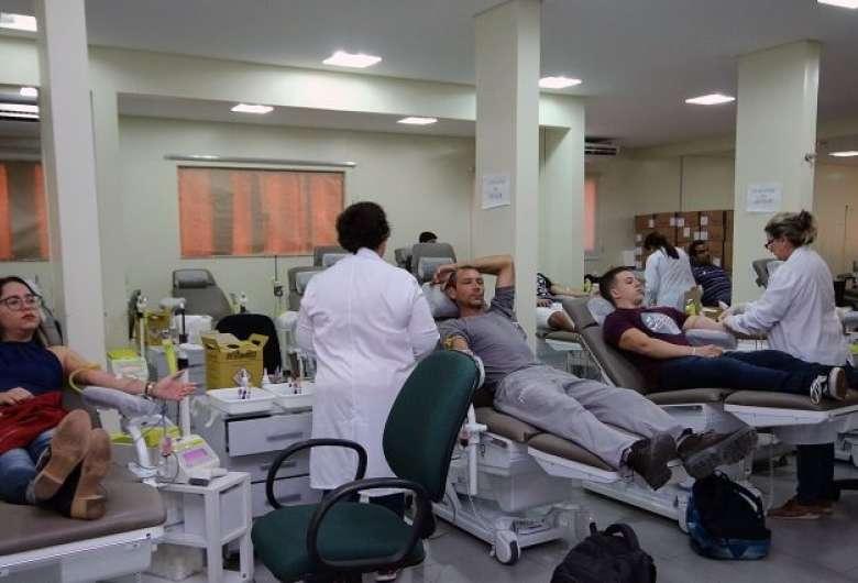 Junho Vermelho tem enfoque na conscientização à doação de sangue 07 junho 2021 - 07h12Por Da Redação Objetivo do Junho Vermelho é conscientizar as pessoas sobre a importância da doação do sangue - Crédito: Divulgação