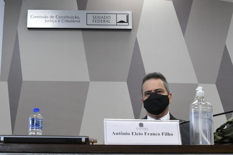 Elcio Franco ficou longo tempo esperando depoimento - (Foto: Edilson Rodrigues/Agência Senado - 09.06.2021)