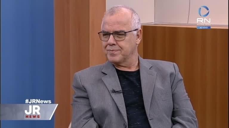 Domingos Fraga morreu neste sábado (12) por complicações da covid-19 - (Foto: Reprodução/Record News)