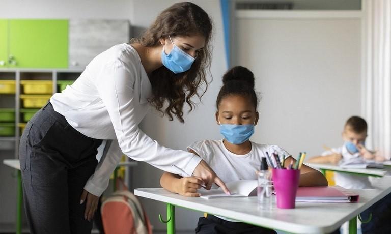 Proposta prevê capacitação de educadores a fim de conscientizar a comunidade sobre o tema - (Foto: Secretaria-Geral)
