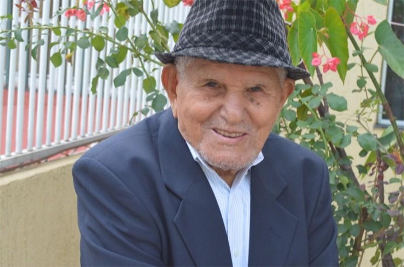 Diferentemente de milhares de idosos pelo país, Severiano Vieira da Cruz chegou aos 102 anos com atenção e cuidados de sua família - Agência Senado