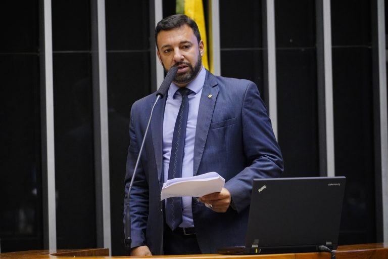 Luiz Lima: objetivo da data é ??divulgar os benefícios do esporte - (Foto: Pablo Valadares/Câmara dos Deputados)