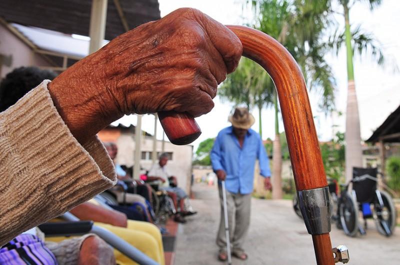As deduções seriam destinadas às pessoas físicas que fizeram pagamentos a Instituições de Longa Permanência para Idosos (ILPIs) - Tony Winston/Agência Brasília